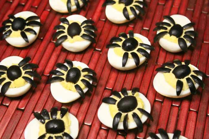 Spider Deviled Eggs | Sugar Free Chic