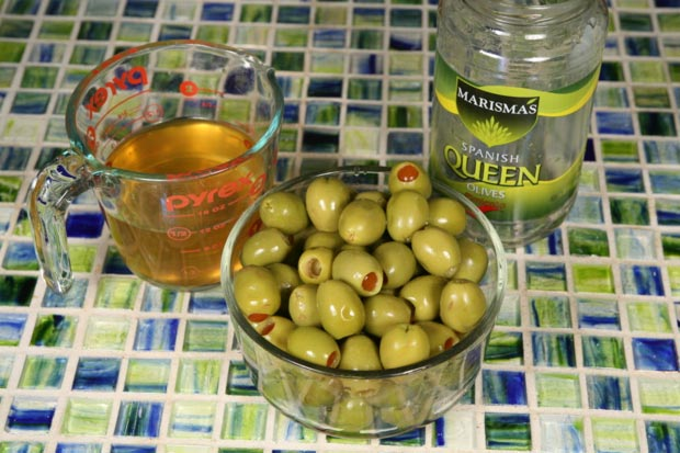 Almond Stuffed Olives2