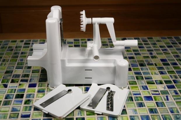 Paderno world cuisine a4982799 tri blade - Paderno world cuisine tri blade spiral vegetable slicer ...