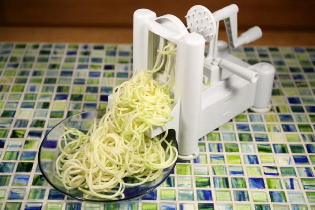 Paderno World Cuisine Spiral Vegetable Cutter 3